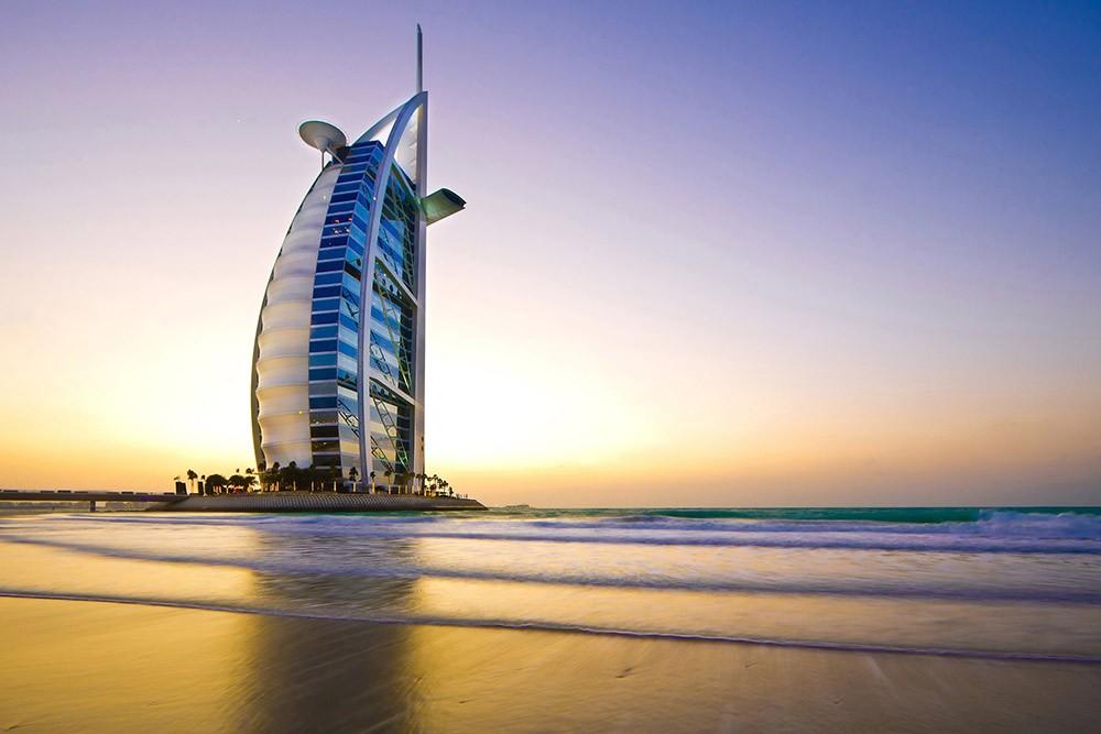 чем заняться в Дубае: съездить в Бурдж-эль-Араб
