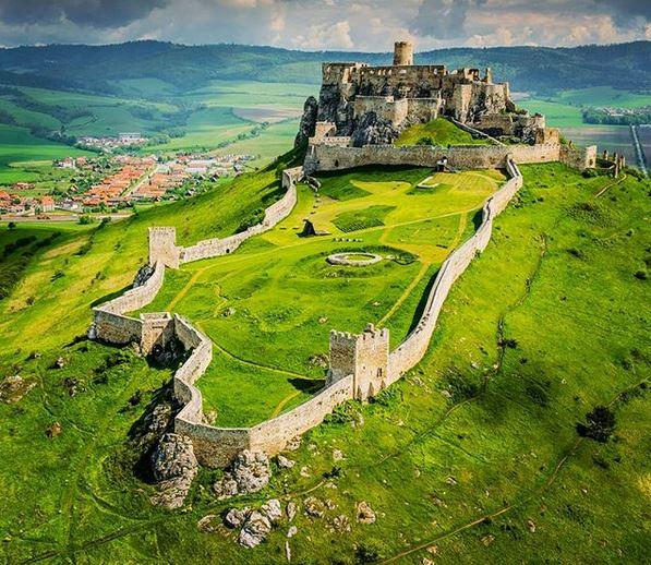 https://i1.wp.com/getyouthebest.com/wp-content/uploads/2019/03/Spi%C5%A1-Castle-Slovakia.jpg?fit=597%2C518&ssl=1