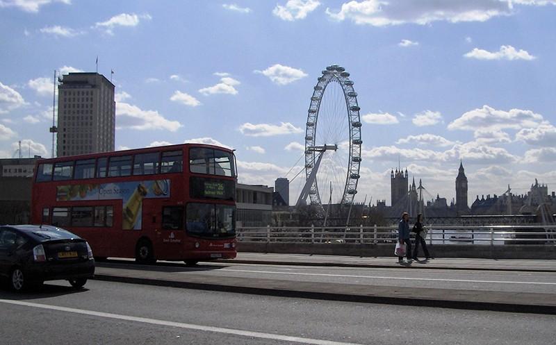 Двухэтажный автобус и Лондонский глаз