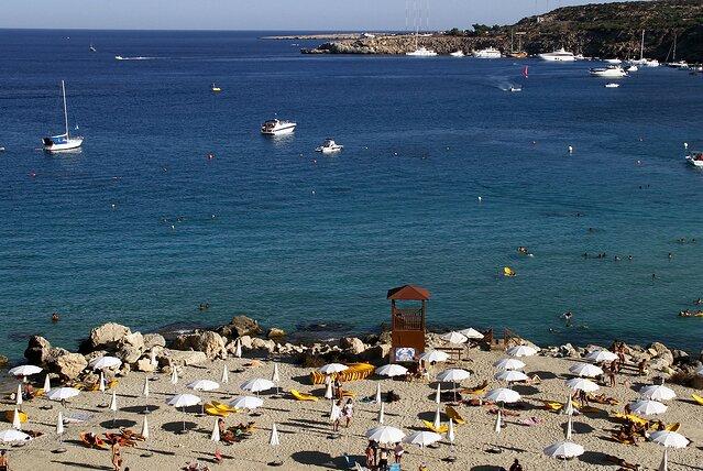 D4JWW0 красивая лагуна залива Коннос на острове Кипр